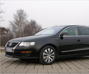 VW Passat Variant BlueMotion photo 3