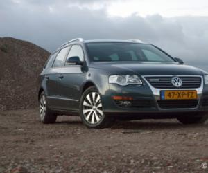 VW Passat Variant BlueMotion photo 4