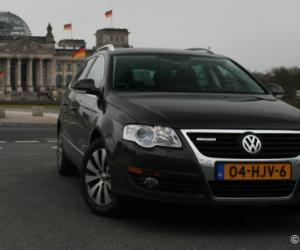 VW Passat Variant BlueMotion photo 5