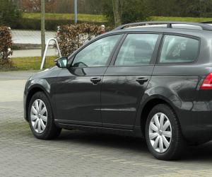 VW Passat Variant BlueMotion photo 6