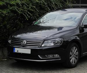 VW Passat Variant BlueMotion photo 7