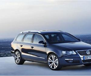 VW Passat Variant BlueMotion photo 8