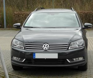 VW Passat Variant BlueMotion photo 13