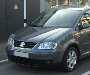 VW Touran photo 1