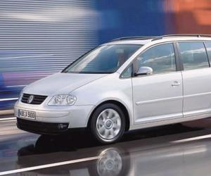 VW Touran photo 6