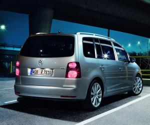 VW Touran photo 11