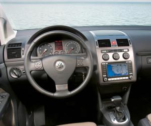 VW Touran photo 12