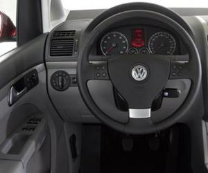 VW Touran EcoFuel photo 7