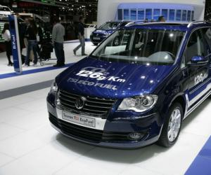 VW Touran EcoFuel photo 16