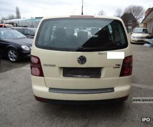 VW Touran TSI EcoFuel photo 11