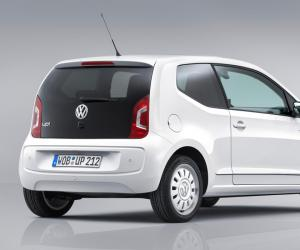 VW white up! image #9