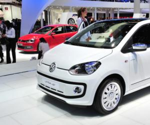 VW white up! image #14